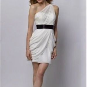Women's dress Wtoo white short size 10 NWT